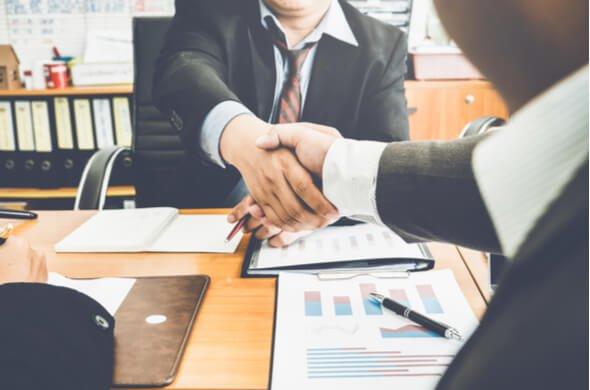 Bollette e contratti energia: 4 particolarità da sapere prima di firmare un contratto